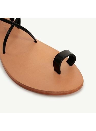 Yargıcı Deri Sandalet Siyah